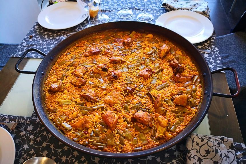 comer una paella en la Albufera de Valencia