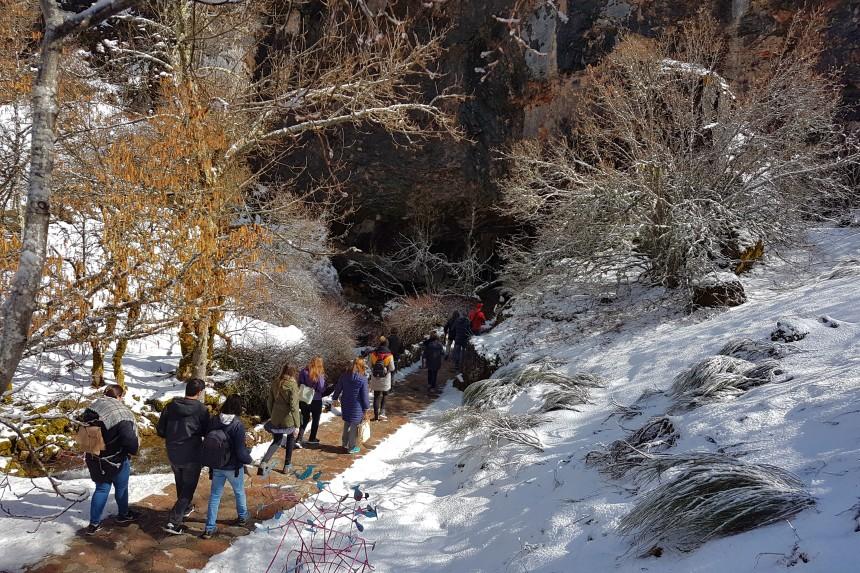 visita en grupo a la cueva de Valporquero