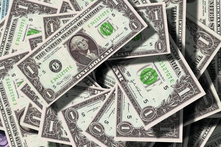 billete de un dolar con el retrato de George Washington