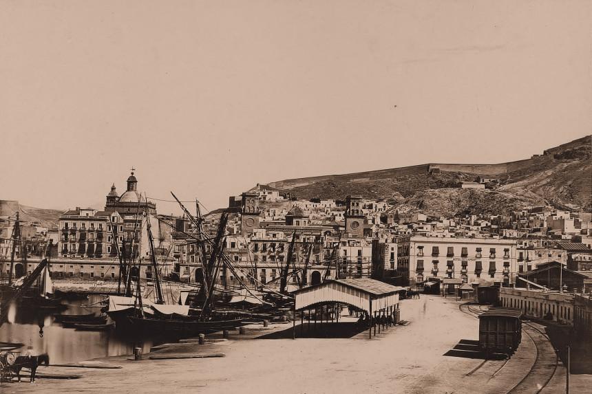 Alicante, Mercado de la Puerta del Mar en 1858