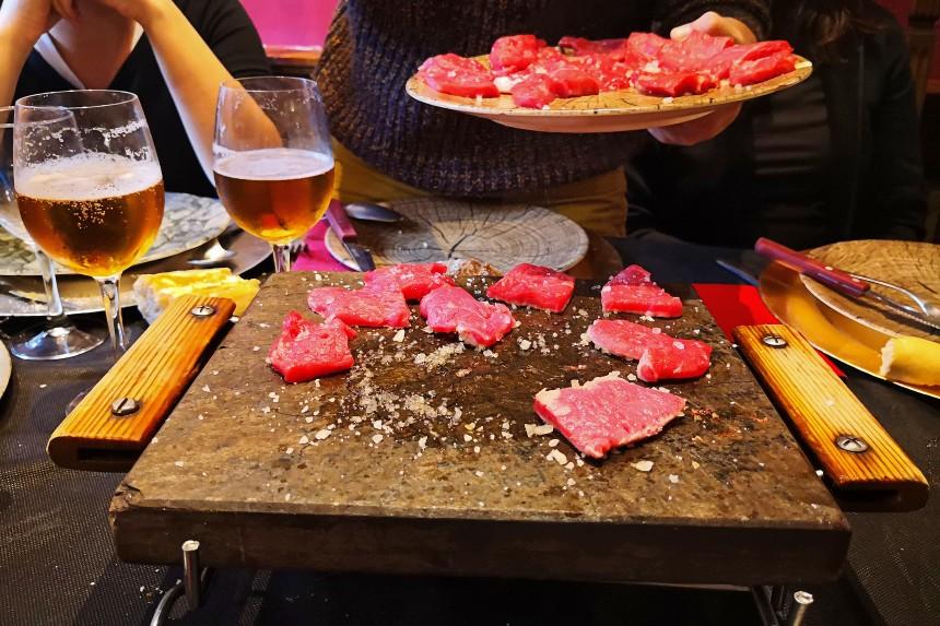 carne a la piedra