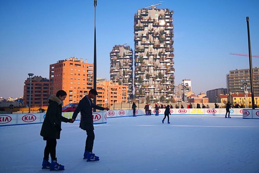 Pista de patinaje en Piazza Gae Aulenti