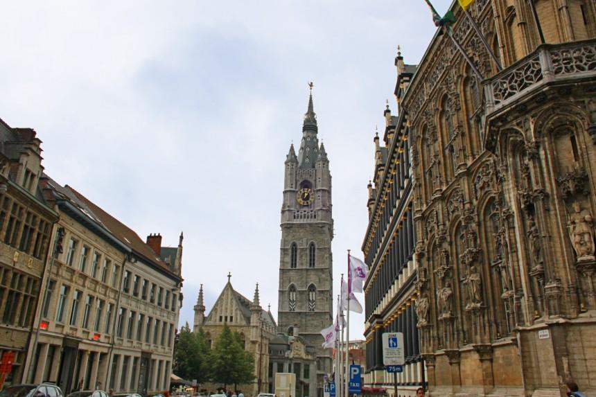 Ayuntamiento de Gante y torre Belfort