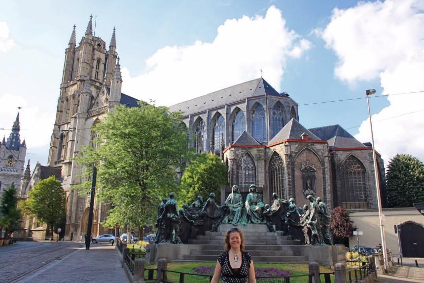mapaymochila en la Catedral de San Bavon en Gante