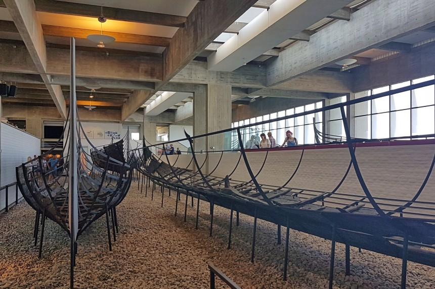 galería de naves vikingas en Roskilde