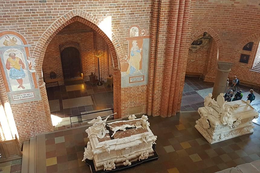 tumbas reales en la Catedral de Roskilde