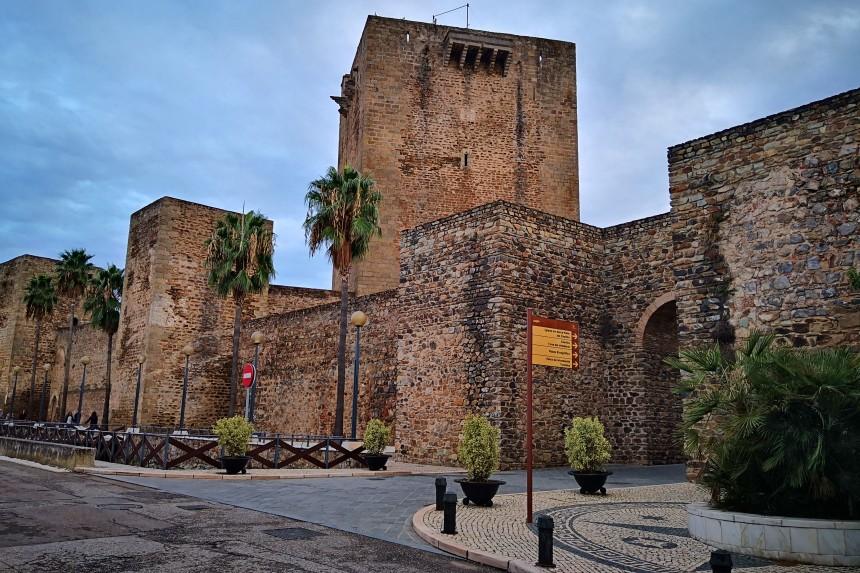 muralla medieval y castillo de Olivenza