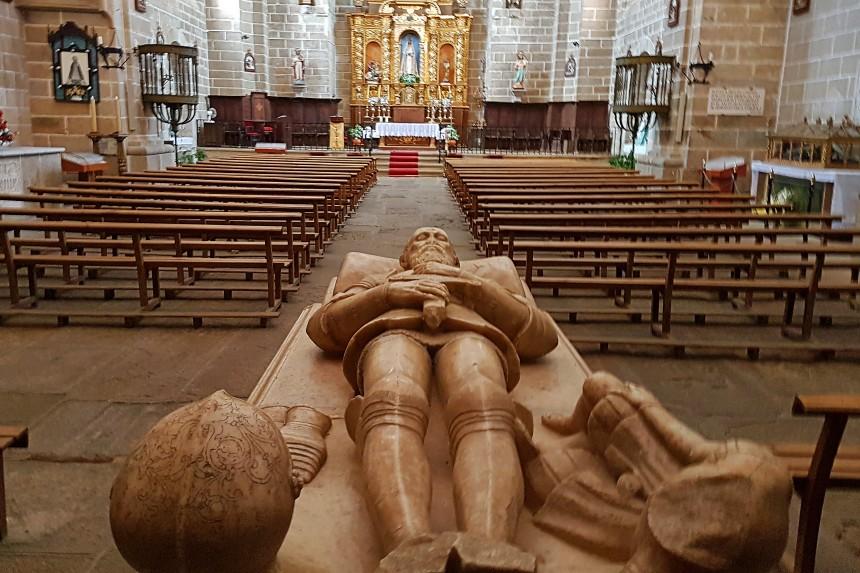 Interior de Santa María de Almocóvar
