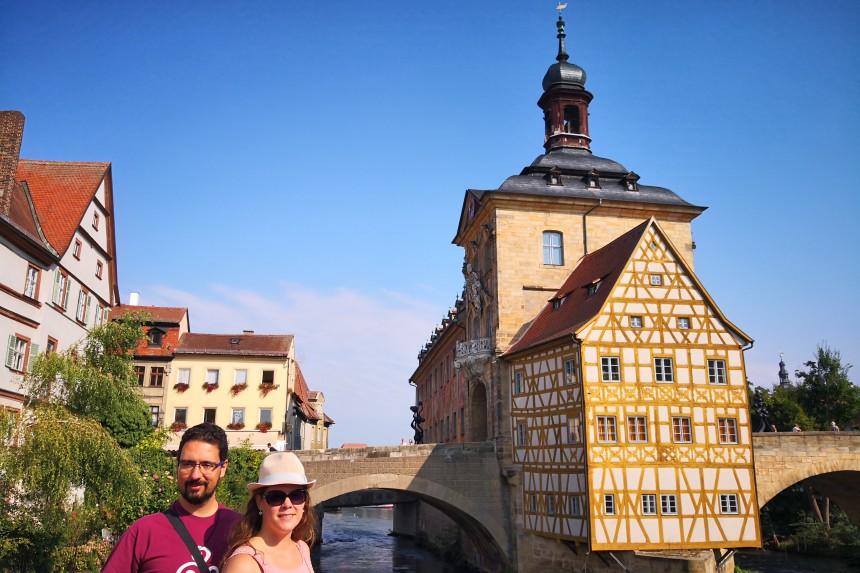 mapa y mochila viajando por Alemania