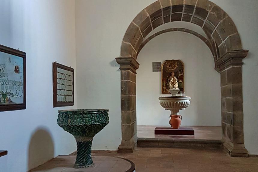 Pilas bautismales de la iglesia de la Concepción de La Laguna