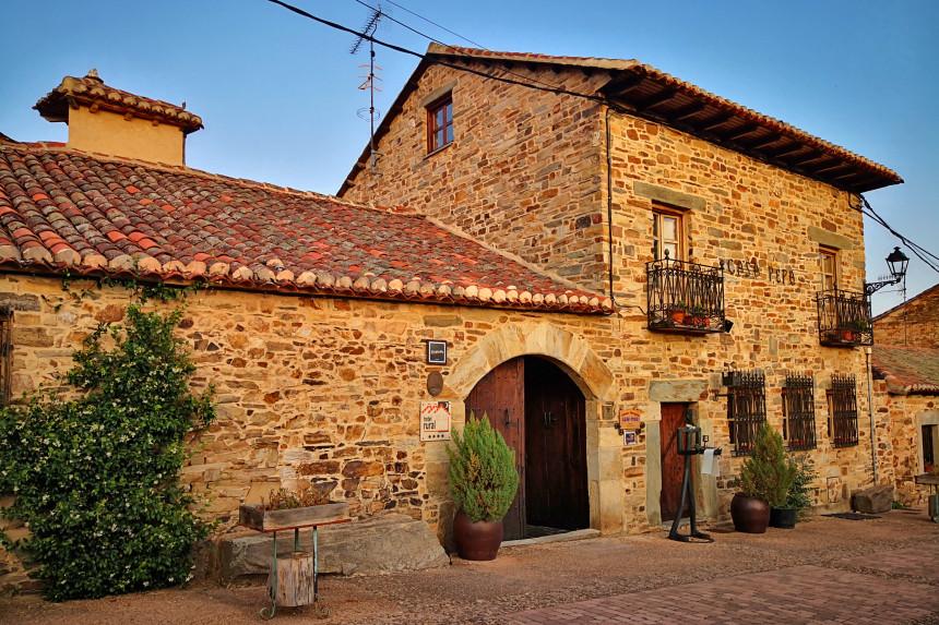 casa maragata en Santa Colomba de Somoza