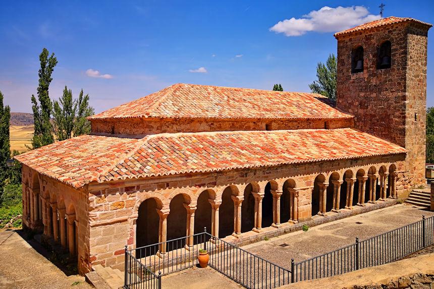 Iglesia de San Salvador de Carabias, una joya del arte románico rural de Guadalajara
