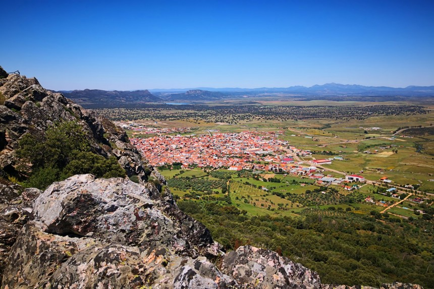 vistas de Herrera del Duque desde su castillo