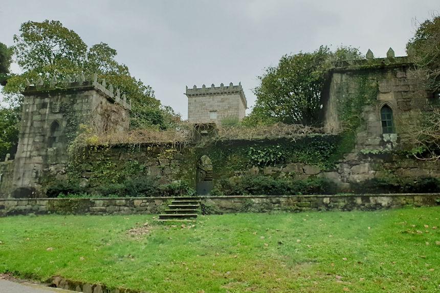 acceso al pazo de Castrelos