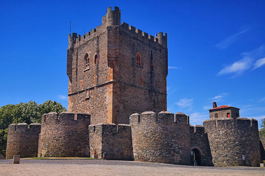 exterior del castillo de Braganza