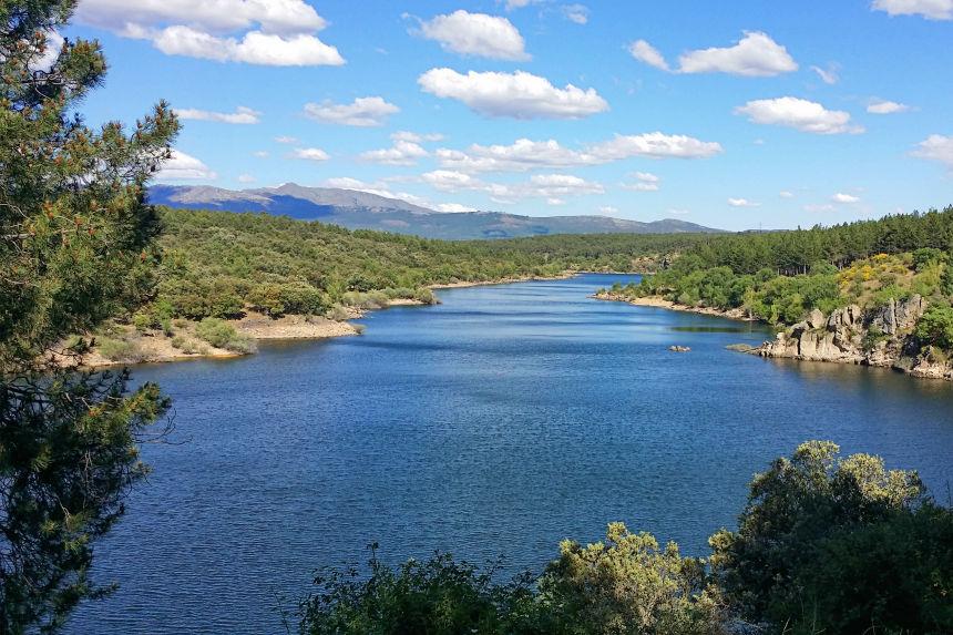 entorno natural de Buitrago con el río Lozoya