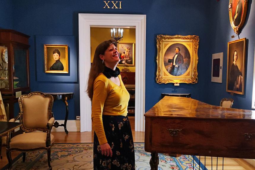 postureando en el Museo del Romanticismo