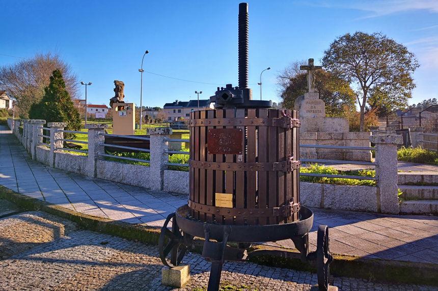 Prensa de vino en el Parque da Infesta