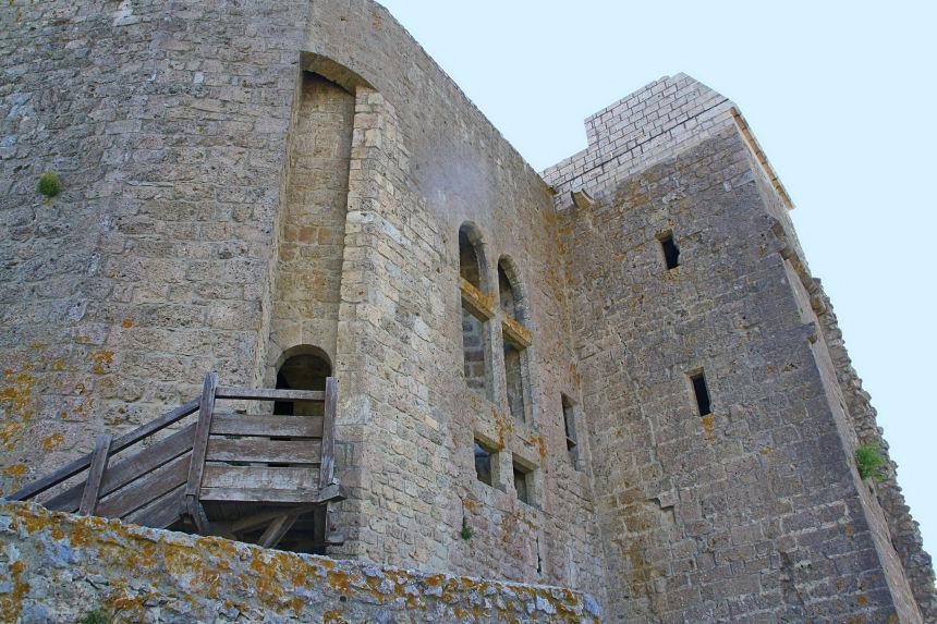 ventanas góticas del donjon de Quéribus