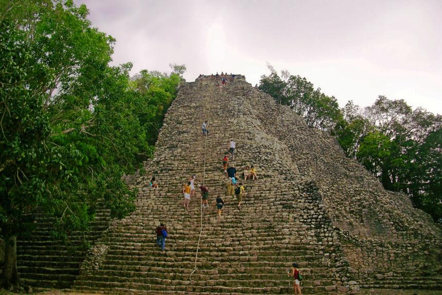 Subir al Nohoch Mul en Riviera Maya