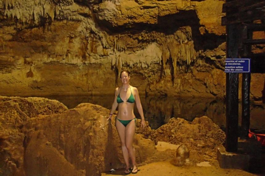 excursiones en Riviera Maya, nadar en un cenote