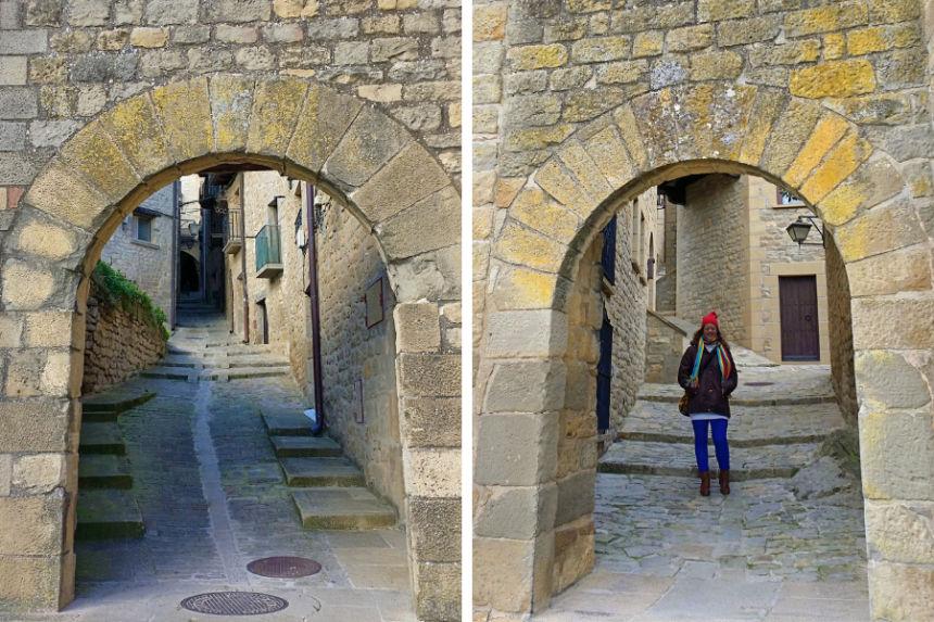 """Portal de Uncastillo o """"los cuernos"""" y Portal de Poniente o """"del Mudo"""""""