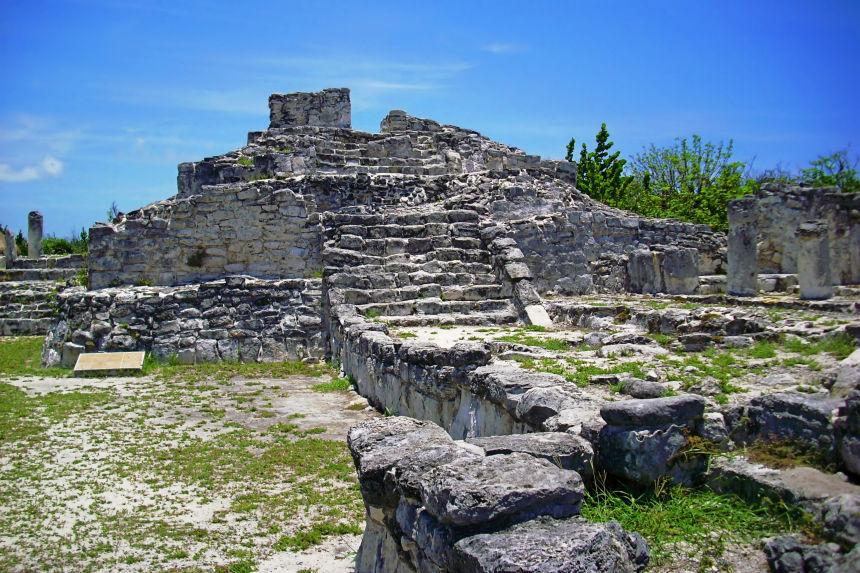 zona arqueológica de El Rey en Cancún