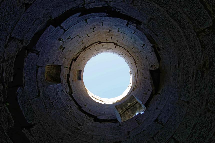 escalera de caracol hoy desparecida del donjon de Montsegur