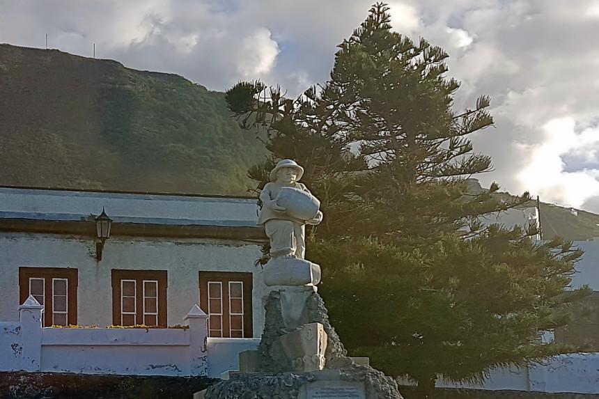 Monumento al Motín del Vino