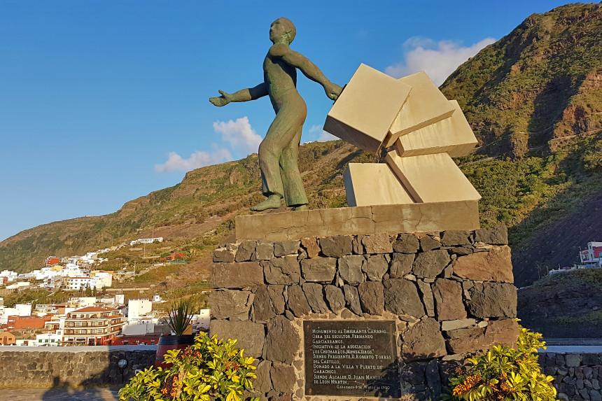 Monumento al emigrante canario en Garachico