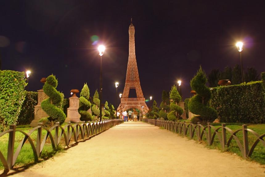 réplica de la Torre Eiffel