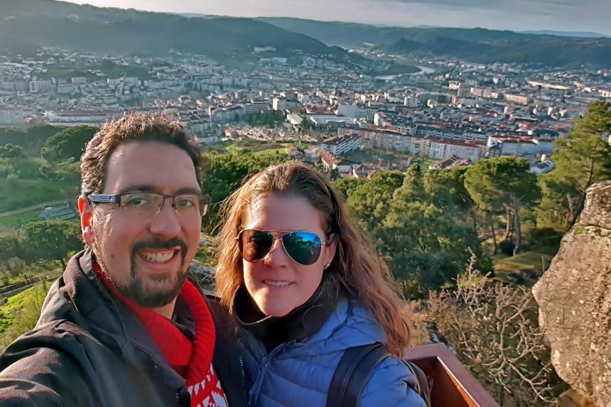 mapa y mochila en Ourense
