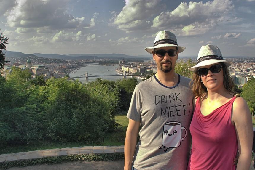 mapa y mochila viaje a Budapest