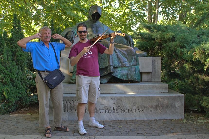 mapa y mochila - viaje a Budapest - los aquincenses