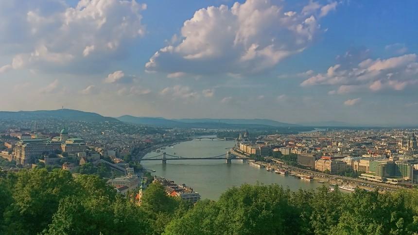 Vista panorámica de Buda y de Pest desde el Monte Gellert