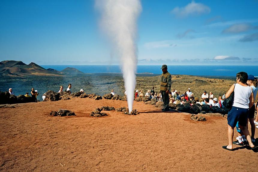 demostraciones geotérmicas en el Islote de Hilario