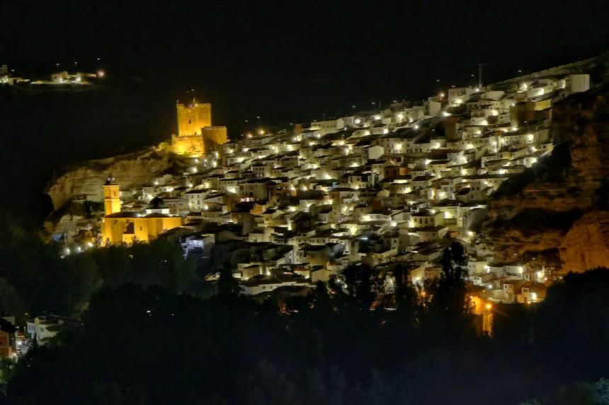 iluminación nocturna de Alcalá de Júcar